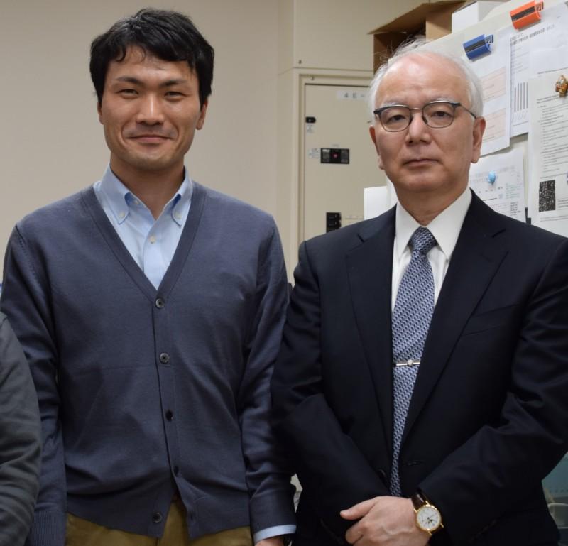 この春卒業した七澤君が、研究室を訪ねてくれました!(2021.3.25)